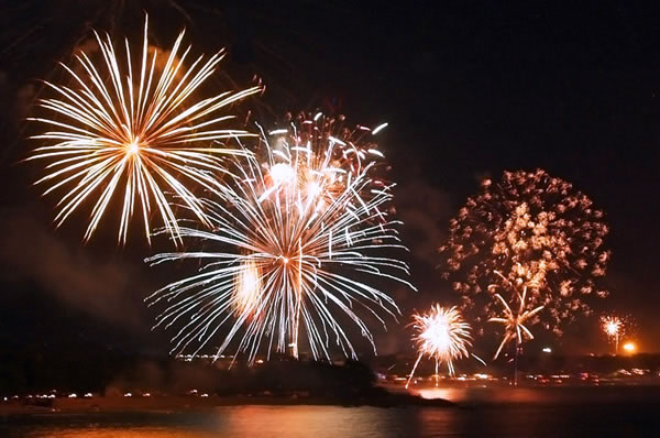Fireworks in Koh Samui courtesy of samuiontour