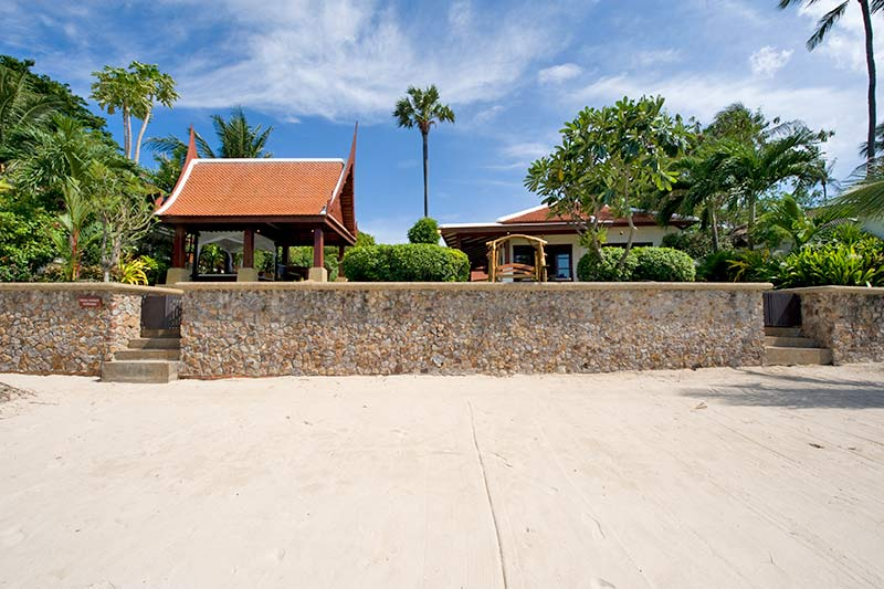 4 Bedroom Option Luxury Beach Front Villa with Private Pool at Bangrak Koh Samui