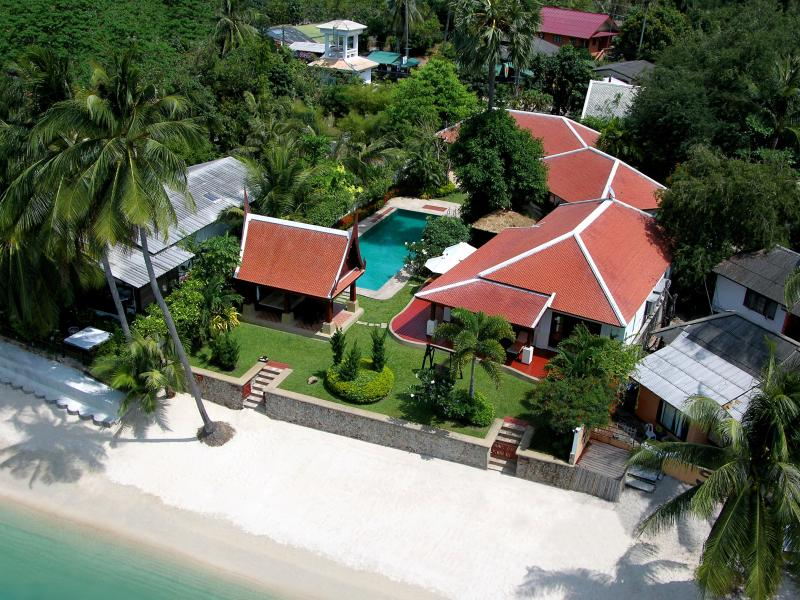 3 Bedroom Option Beach Front Villa with Private Pool at Bangrak Koh Samui