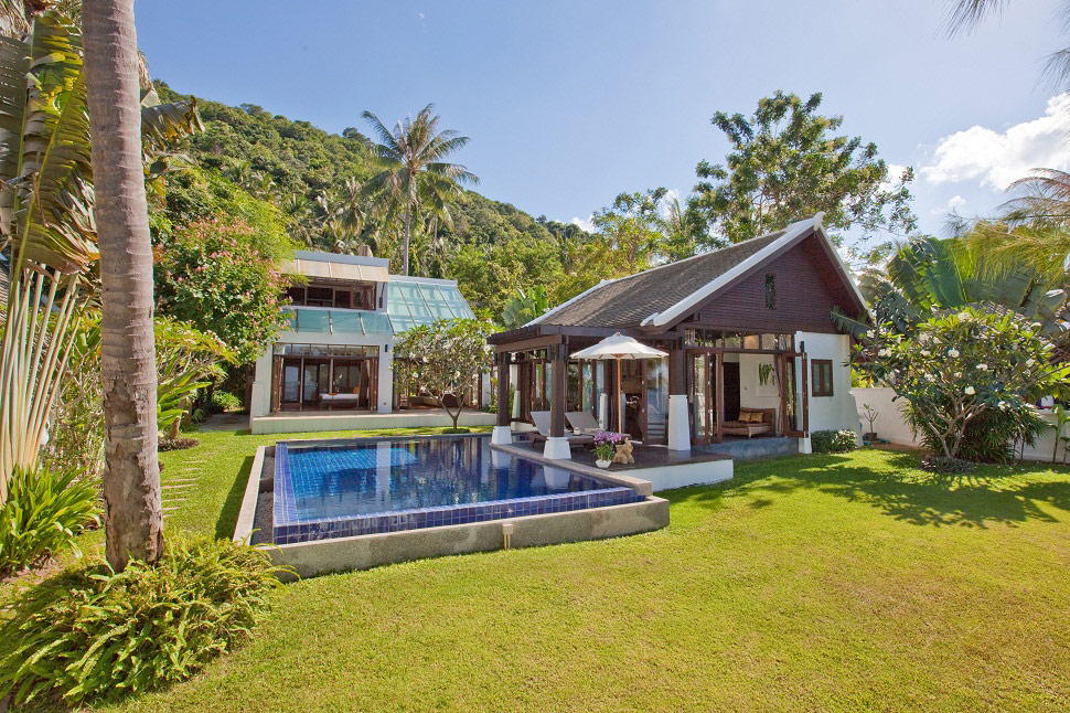 3 Bedroom Beach Front Villa with Pool at Bang Por Ko Samui
