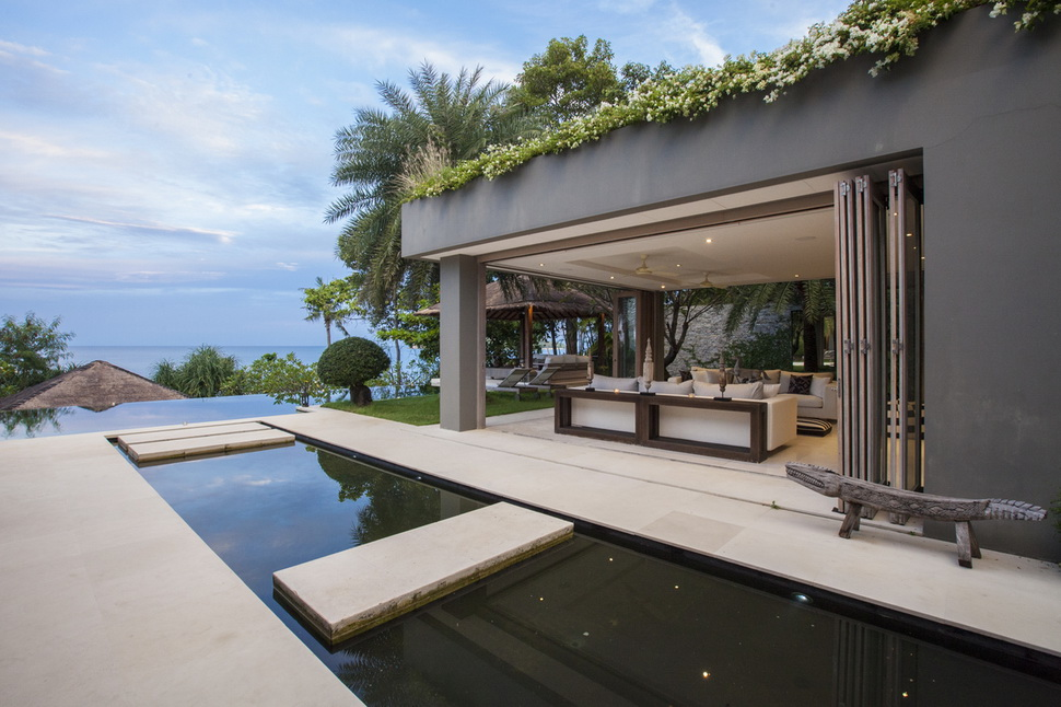 5 Bedroom Beach Front Villa with Pool at Chaweng Samui
