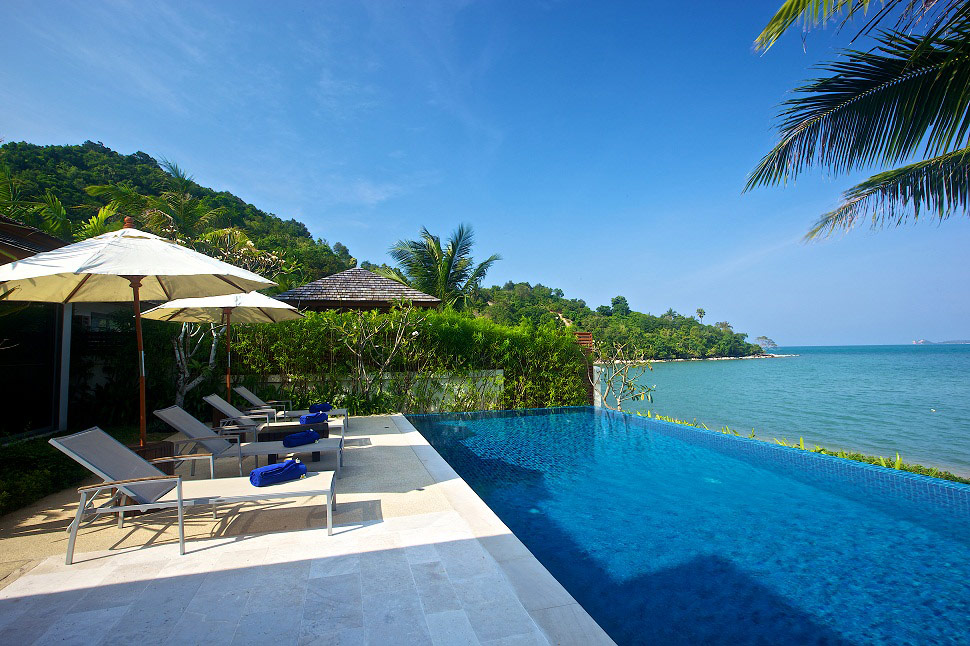 4 Bedroom Beach Front Villa with Pool at Bophut Koh Samui
