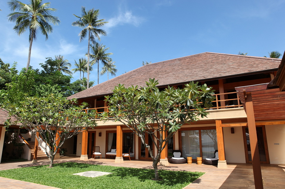 5 Bedroom Beach Front Villa with Private Pool at Laem Sor Koh Samui Thailand