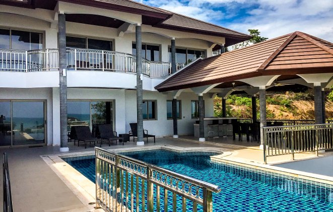 5 Bedroom Sea View Villa with Infinity Pool at Choeng Mon Ko Samui