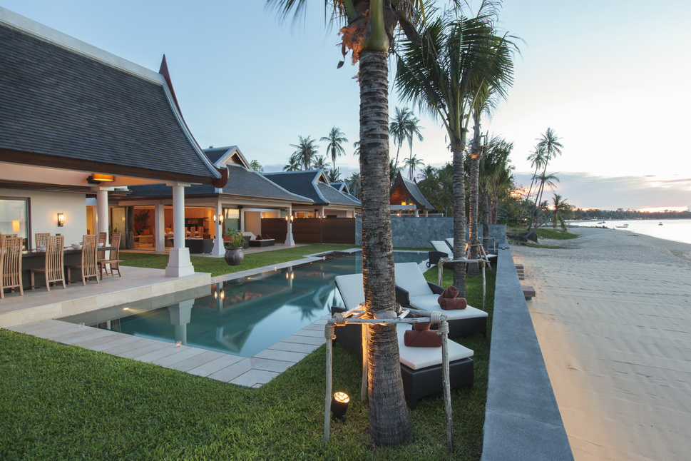 7 Bedroom Beach Front Villa with Private Pool at Maenam Ko Samui Thailand