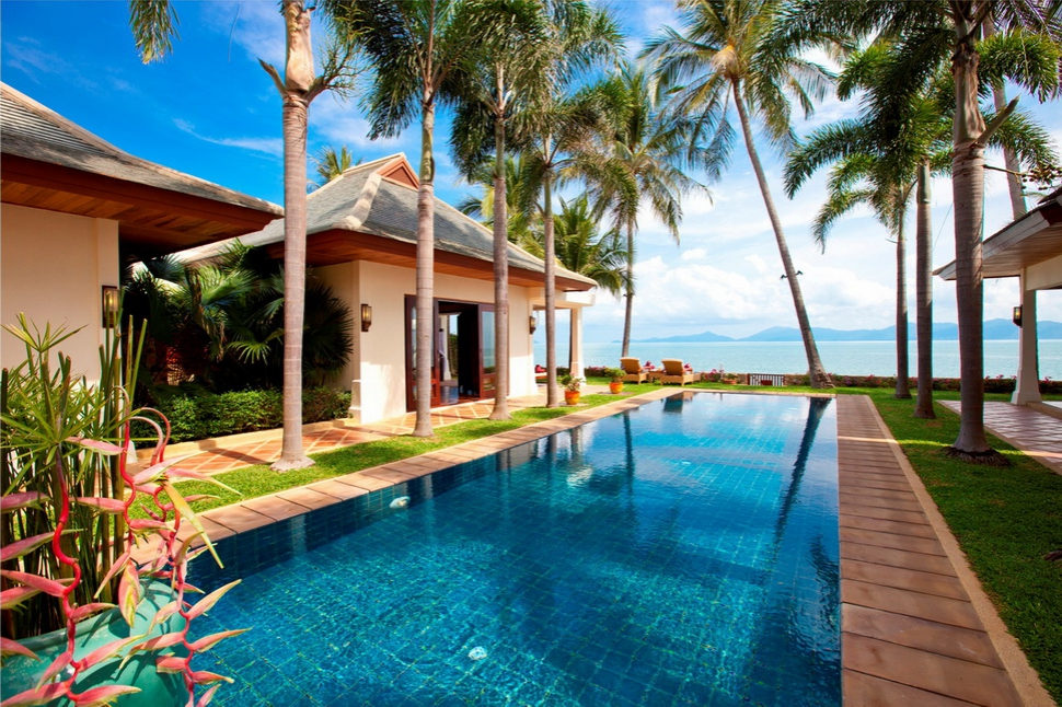 5 Bedroom Beach Front Villa with Private Pool at Maenam Samui