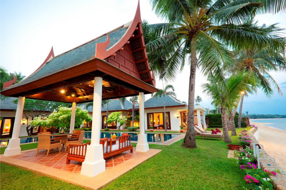 5 Bedroom Beach Front Villa with Pool at Maenam Koh Samui