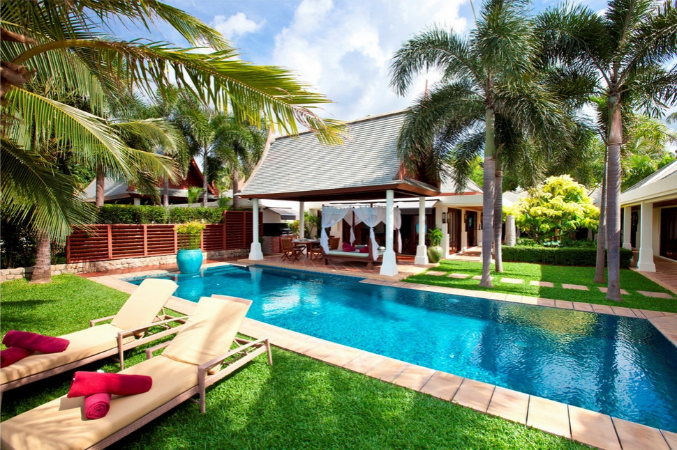 4 Bedroom Beach Front Villa with Private Pool at Maenam Samui