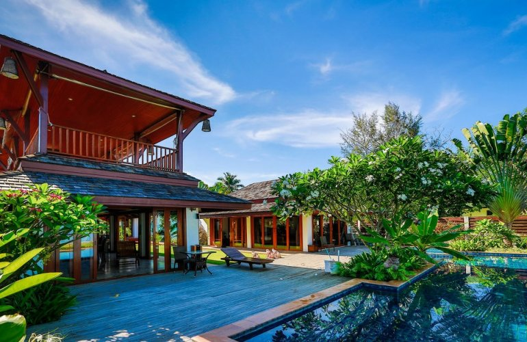 5 Bedroom Beach Villa with Private Pool at Lipa Noi Koh Samui