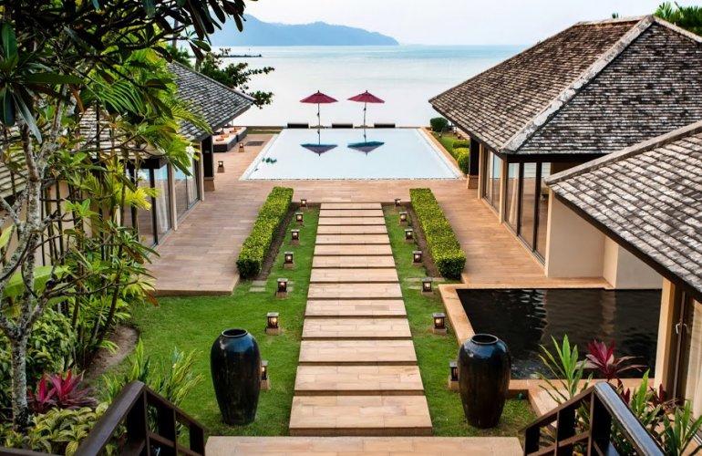 5 Bedroom Beach Front Villa with Private Pool at Thong Krut Koh Samui