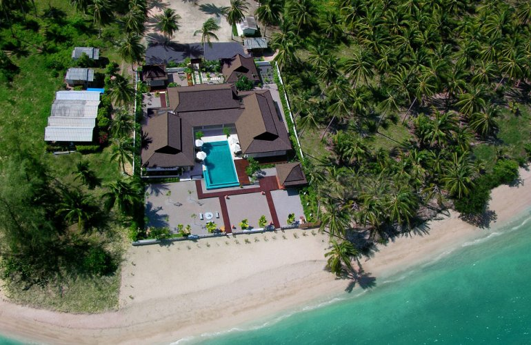 4 Bedroom Beach Front Villa with Private Pool at Laem Sett Samui