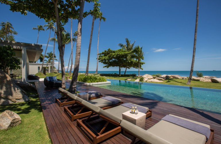 4 Bedroom Beach Front Villa with Private Pool at Laem Sor Ko Samui