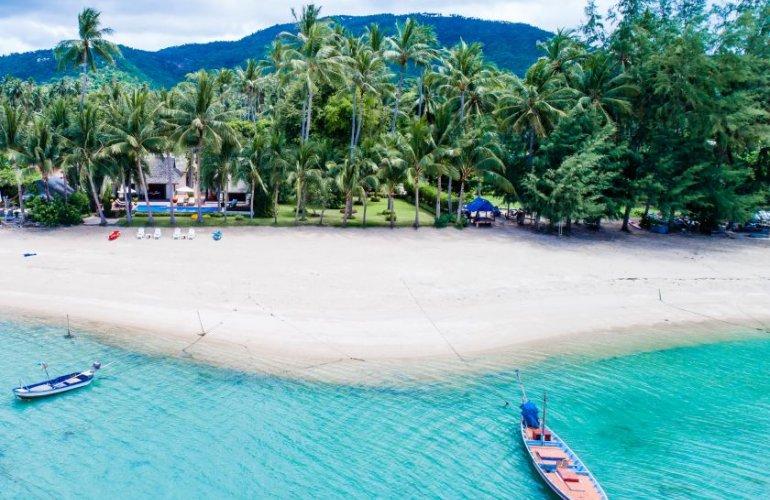4 Bedroom Beach Front Villa with Private Pool at Laem Sor Koh Samui