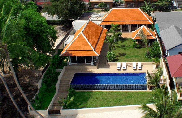2 Bedroom Beach Front Villa with Pool at Bangrak Koh Samui
