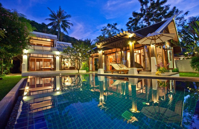 2 Bedroom Beach Front Villa with Pool at Bang Por Ko Samui
