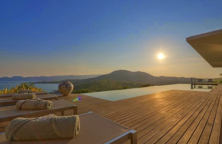 5 Bedroom Sea View Villa with Pool at Choeng Mon Koh Samui Thailand