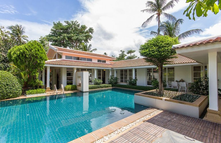 4 Bedroom Garden Villa with Private Pool at Bangrak Ko Samui