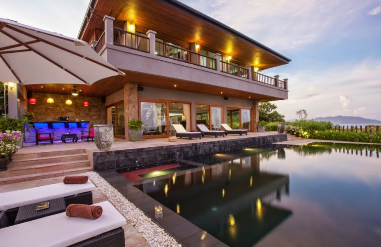 Four Bedroom Sea View Villa with Private Pool at Choeng Mon Koh Samui