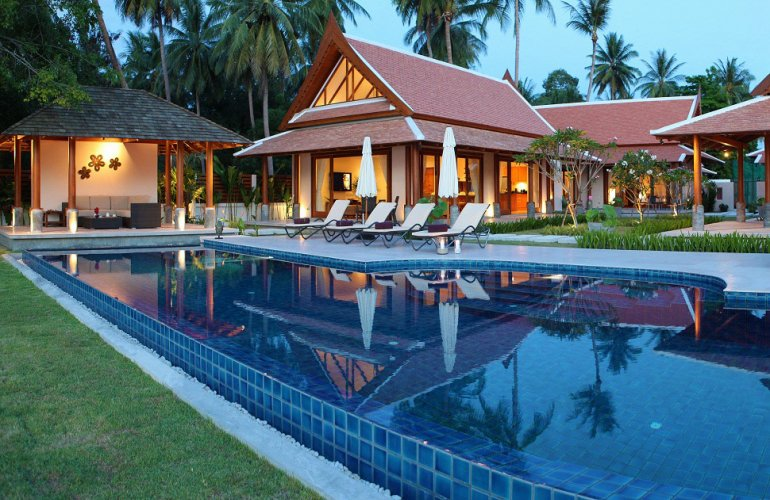 5 Bedroom Beach Front Villa with Pool at Lipa Noi Samui Thailand