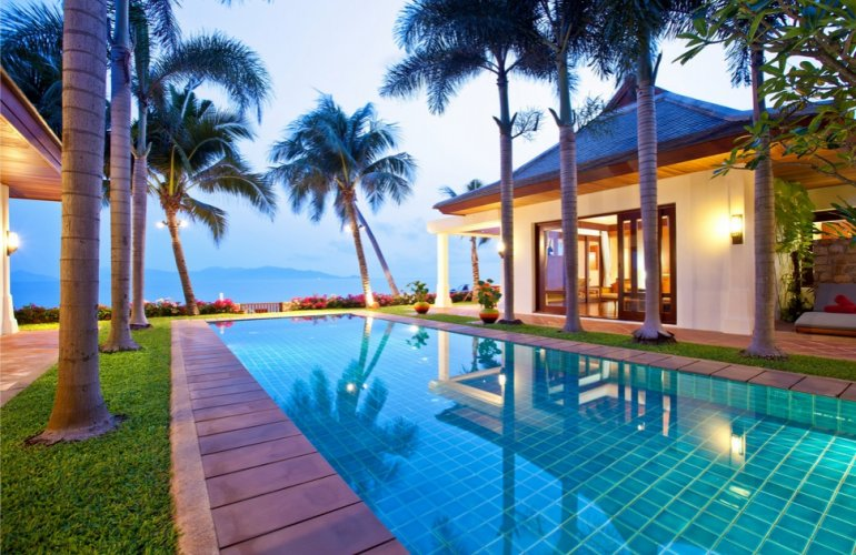 5 Bedroom Beachfront Luxury Villa with Pool at Maenam Ko Samui